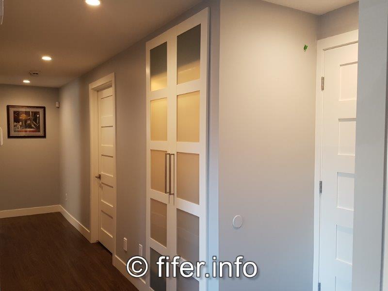 4' wide hallway....