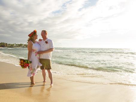 A Small Family Wedding At Kukio Beach