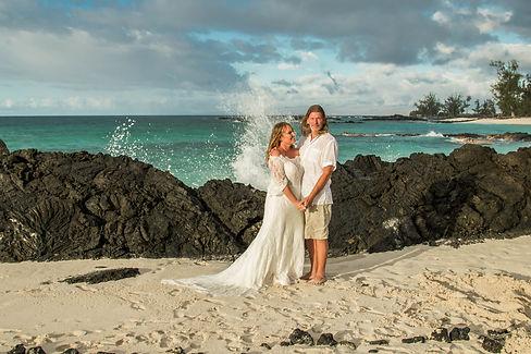 Makalawena Adventure Elopement Kona Wedding Officiant ® Hawaii Big Isla
