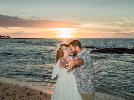Sonia + Brian's Hawaii Escape Elopement at Kukio Beach #hawaiiescape