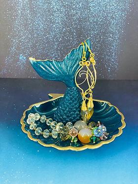 blue.diamond.seashell.findish.jpeg