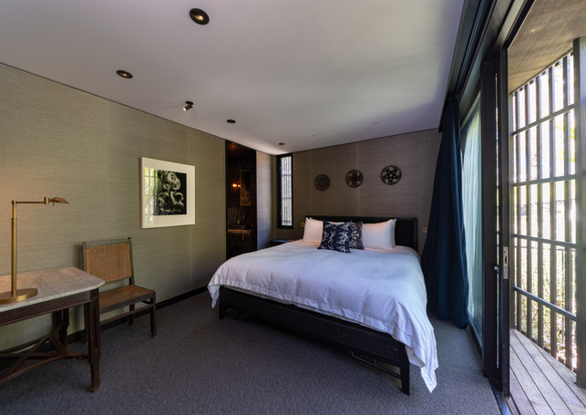 waiheke island lantern house holiday rental accomodation - bedroom upstairs king sized bed