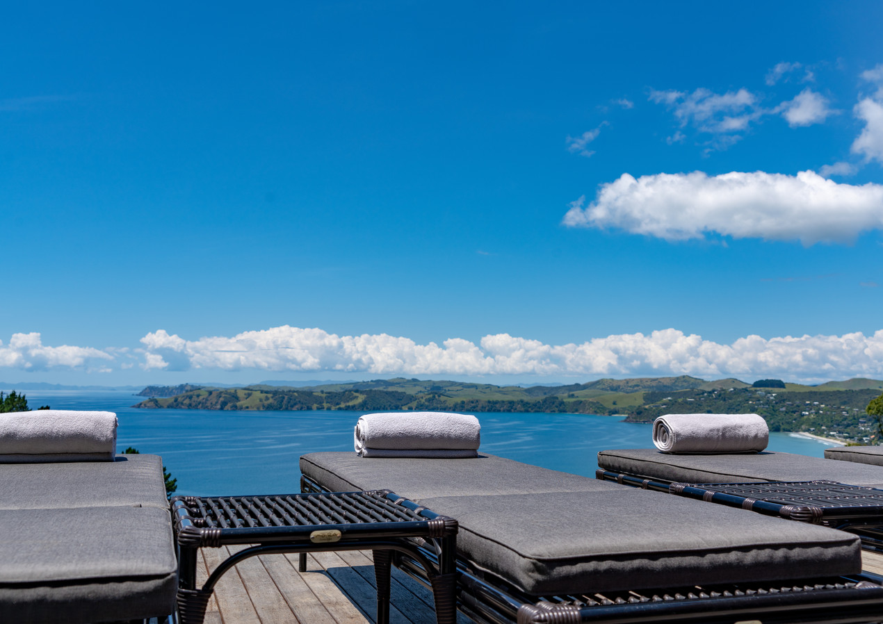 waiheke island lantern house holiday rental accomodation - sundeck sunbeds ocean tanning