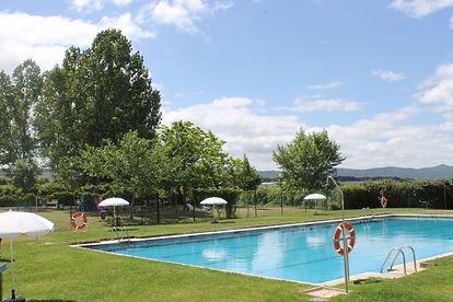 piscina la zamorana.jpg