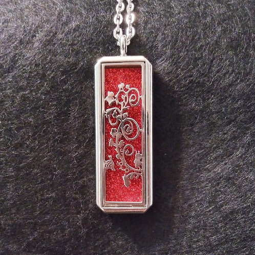 Flower Vine Cut Out aromatherapy necklace