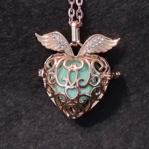 Wing Heart gold ball aromatherapy necklace