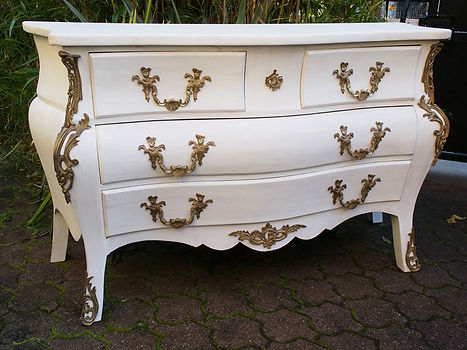 Commode Louis XV tombeau blanche & patinée
