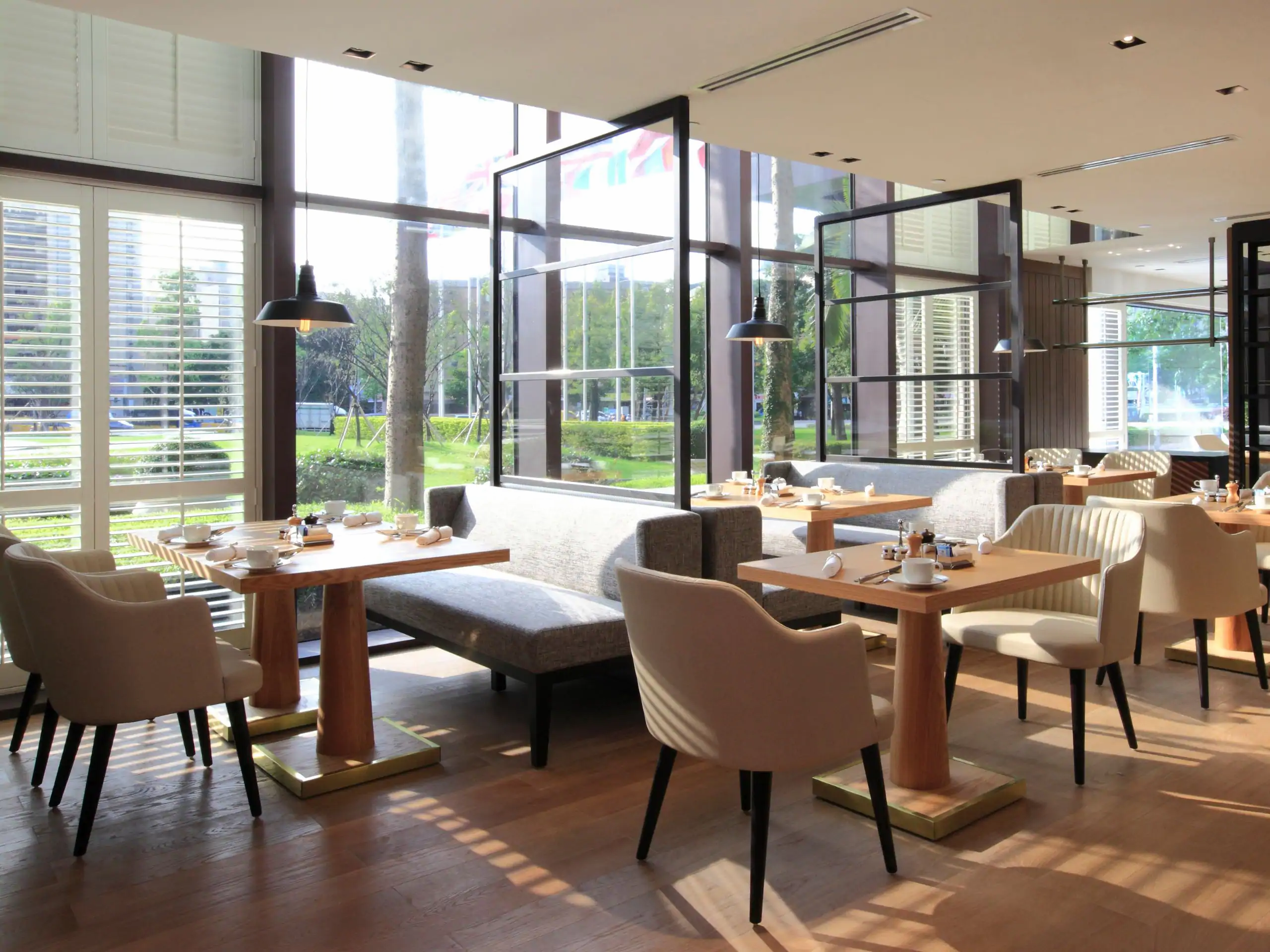 Grand-Hyatt-Taipei-P786-Cafe-Area-Seat