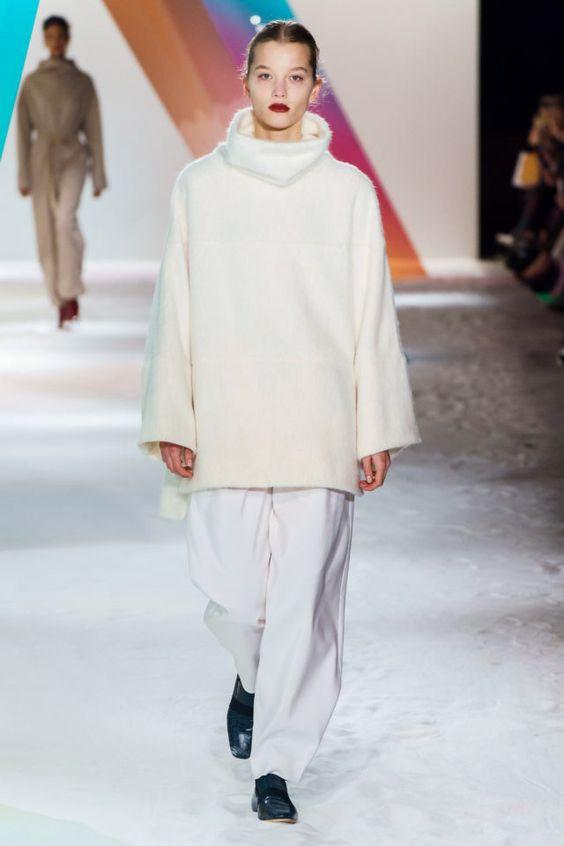 теплый свитер, стильный свитер, современный свитер, объемный свитер, удобный свитер, белый свитер