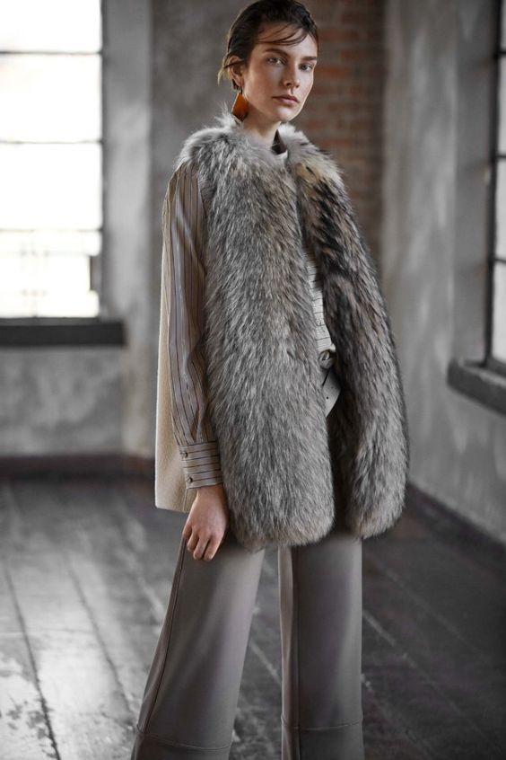 тренды сезона осень зима 2019 2020, модная одежда, тренд, жилет с мехом