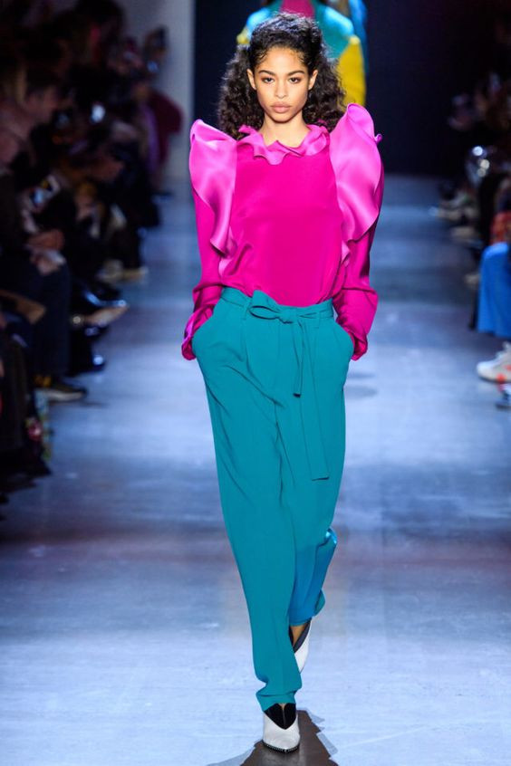 цвет, яркий образ, яркое сочетание цветов, сочетание цветов, тренды осень зима 2019 2020, стильное сочетание цветов, контрастное сочетание цветов, розовая блузка