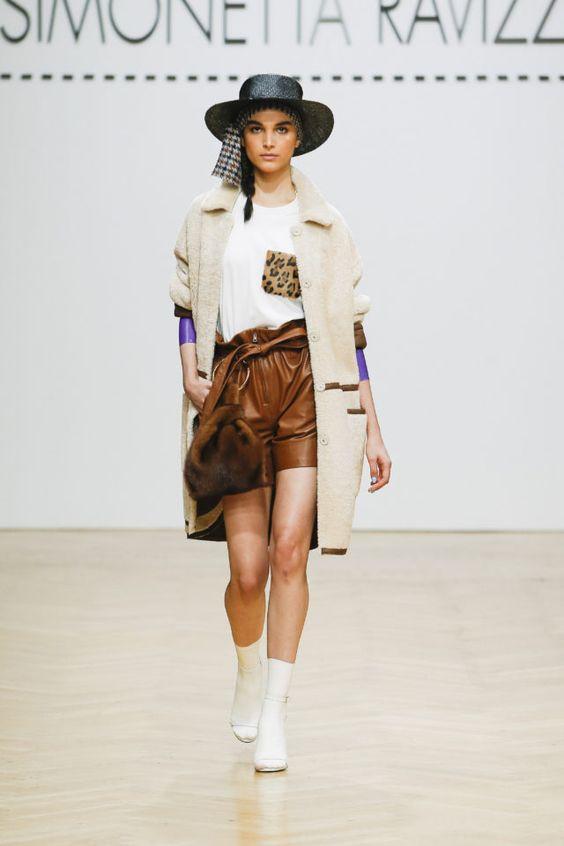 тренды сезона осень зима 2019 2020, кожа, модные ткани и материалы, кожаные шорты