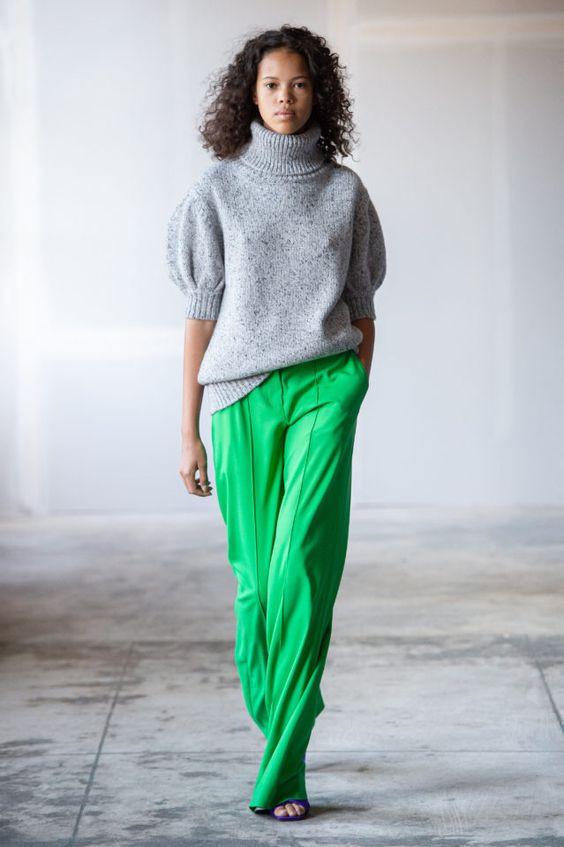 колор блокинг, теплый свитер, серый свитер, свитер оверсайз, зеленые штаны