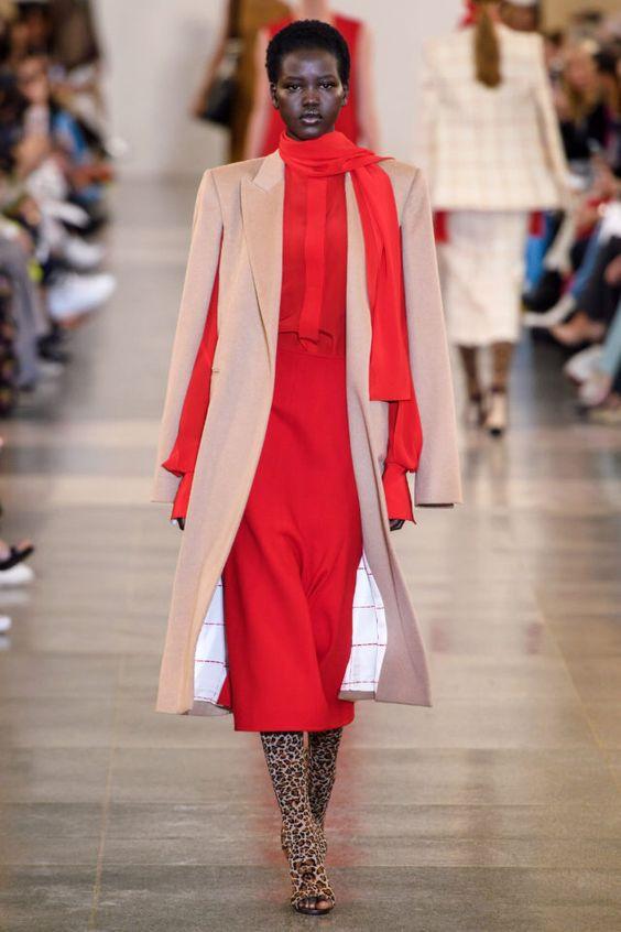 тренды сезона осень зима 2019 2020, модная одежда, тренд, кейп, пальто без рукавов