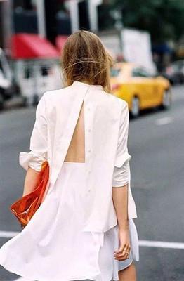белая рубашка, свободная рубашка, рубашка прямого кроя, как носить белую рубашку, белая рубашка задом наперед
