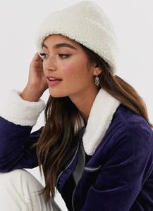 шапка, меховая шапка, зимняя шапка, стильная шапка, стильный головной убор
