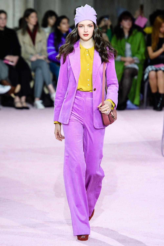 цвет, яркий образ, яркое сочетание цветов, сочетание цветов, тренды осень зима 2019 2020, стильное сочетание цветов, контрастное сочетание цветов, желтый, фиолетовый костюм