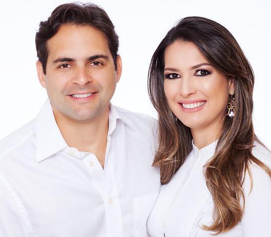 Dr. André Vasconcelos e Dra. Bruna Coser