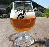 Cerveza_de_cigueña.jpg