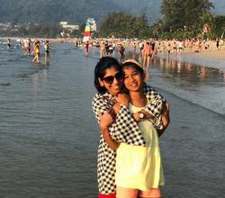 Vanisha & Nisha Agarwal