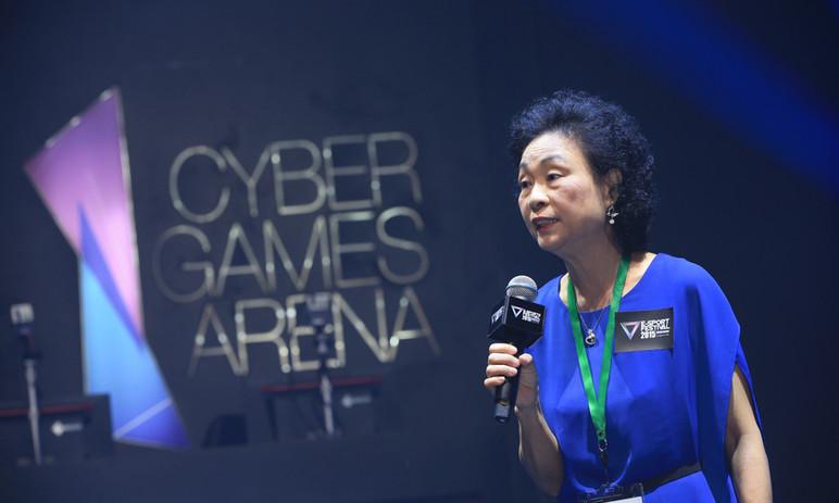2014-2017年香港電腦商會主席-鄭杏霞女士
