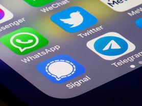 「社交移民潮」Signal、WhatsApp、Facebook、MeWe點揀好?
