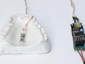操控滑鼠竟用口? 德國碩士生牙套發明 以舌頭控制浮標