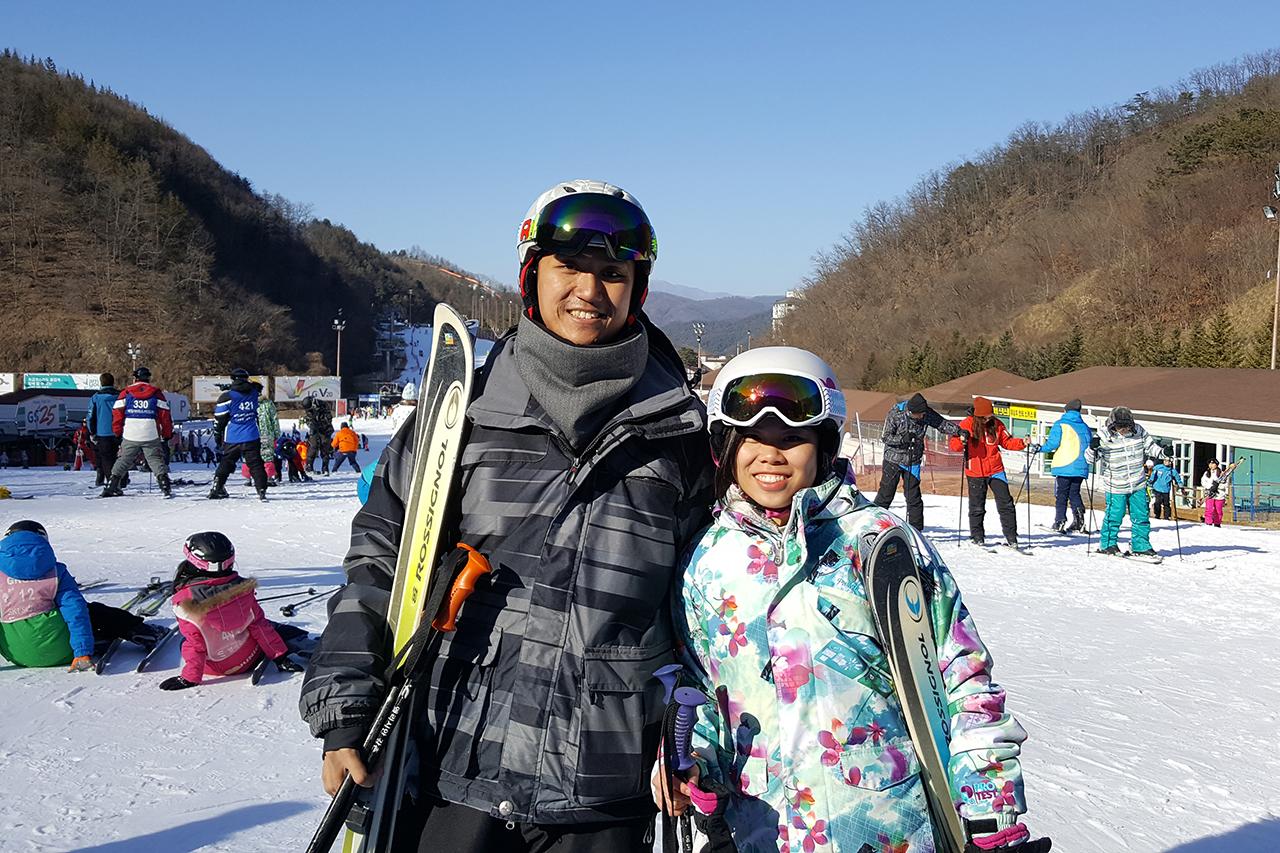 Yongpyeong ski resort tour couple