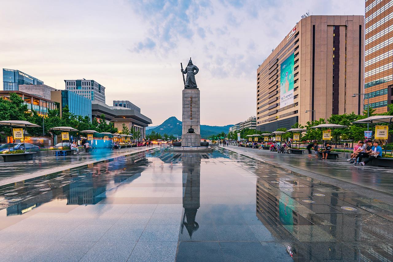 gwanghwamun square_admiral_lee