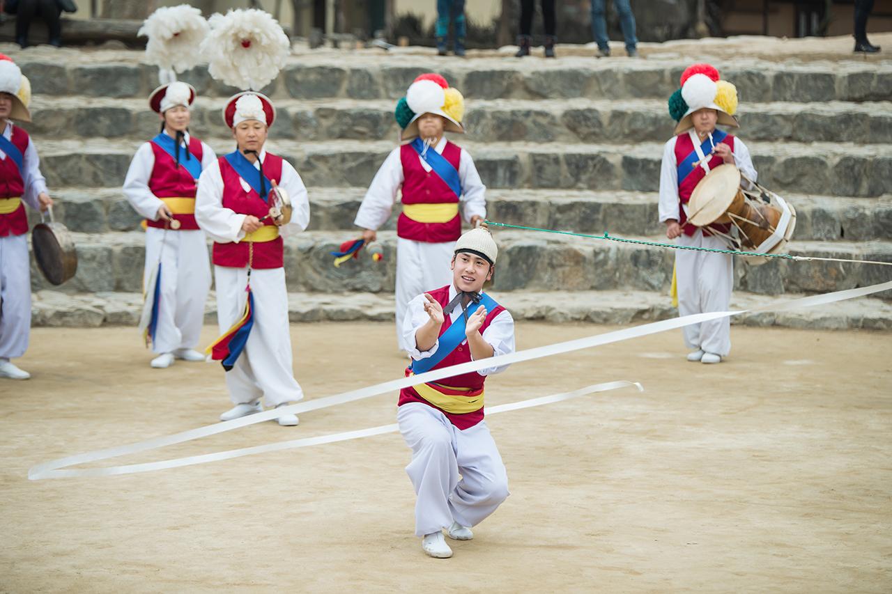 Korean Folk Village  performance_Sangtu
