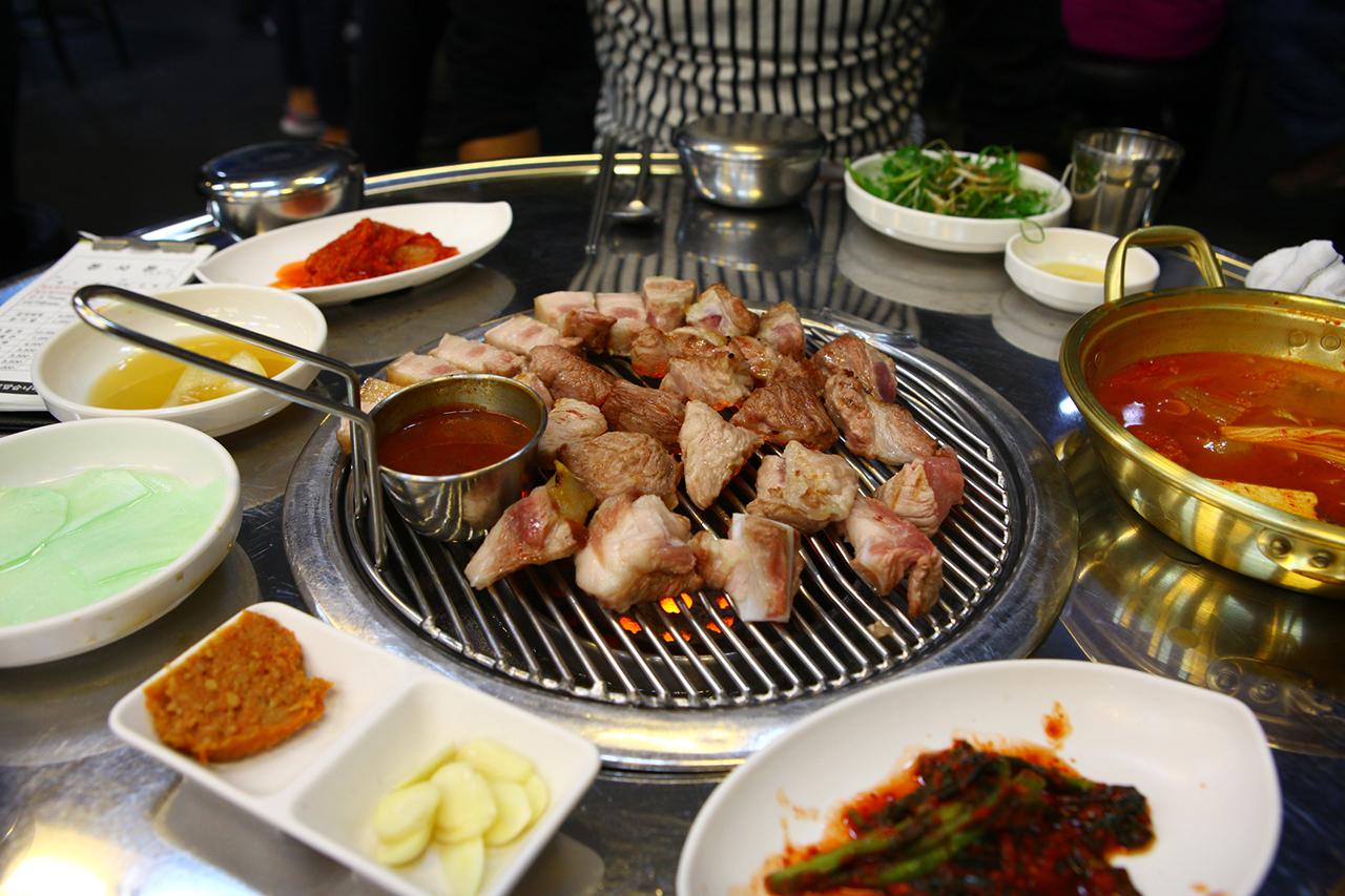 Samgyeopsal (grilled pork loin)