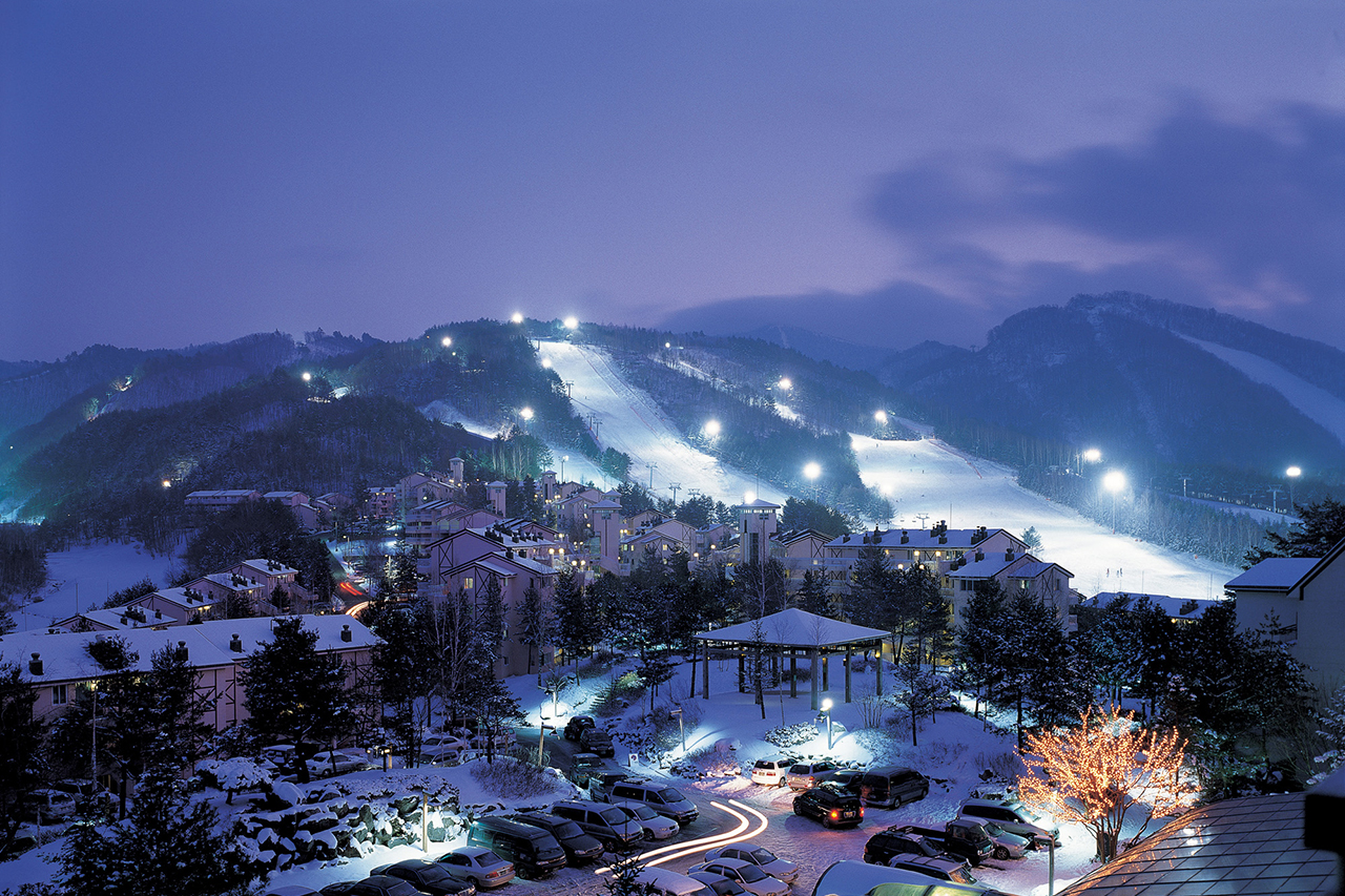 yongpyeong ski resort night