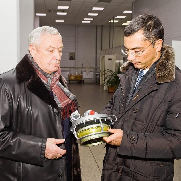 В. Гутенев и В. Тятинькин