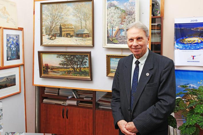 Открытие персональной выставки работ Василия Аносова
