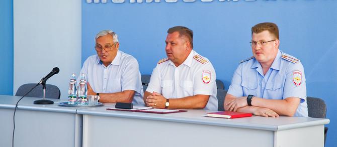 Встреча трудового коллектива  ПАО ПКО «Теплообменник» с руководством городского Управления МВД Росси