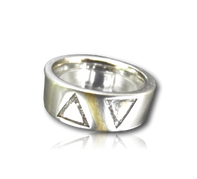 Platinum & 2x50pt trilliant diamonds.png