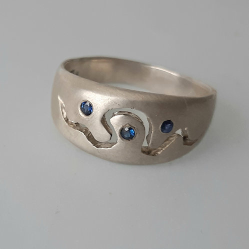 River ring with sapphires