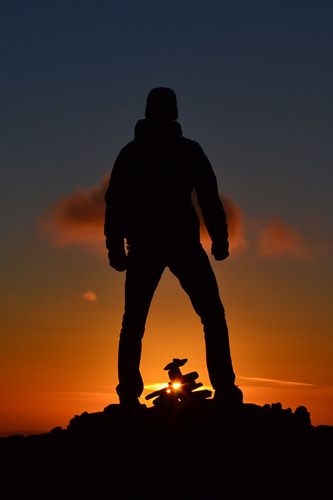 Man%20silhouette%20standing%20on%20the%2
