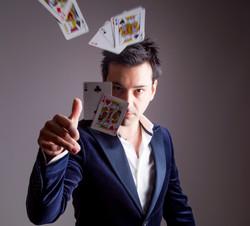 Magician-Richard-Vegas-strip-crop
