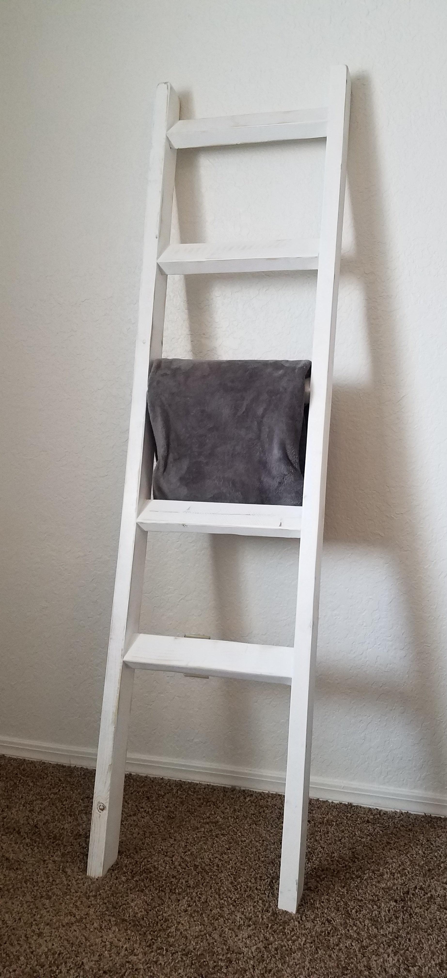 White distressed blanket ladder