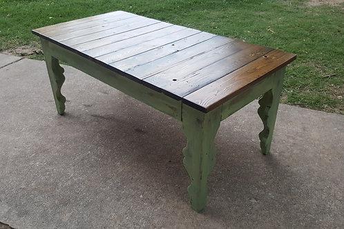 The Scalloped farmhouse coffee table