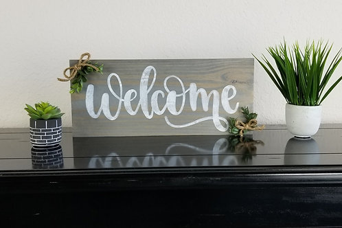 "Classic Gray ""Welcome"" Famhouse Sign 18"" x 7"""