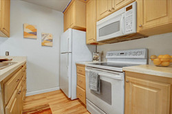 11-376 Imperial Way-11