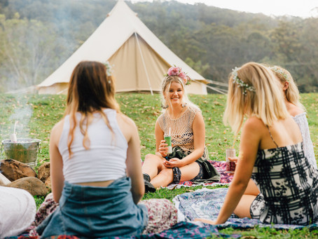 What are the benefits of going glamping?
