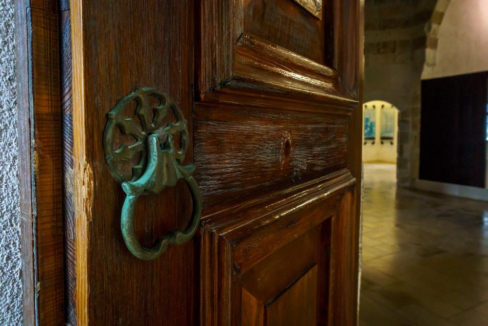Particolare delle porte all'interno della cella