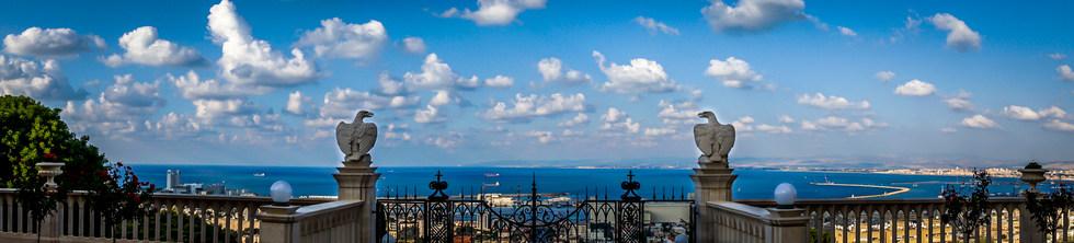 Vista panoramica de la bahía en la terraza 8