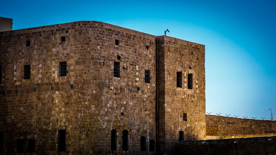 Vista della Cella di Baha'u'llah dall'esterno (due finestre nell'angolo destro in alto)