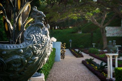 Ornamento en jardines alrededor del Santuario