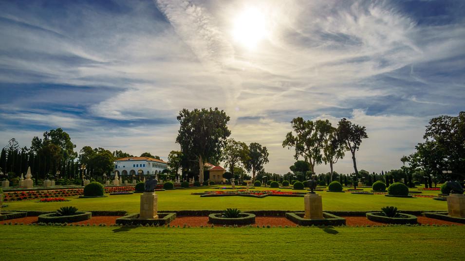 Mausoleo, Magione e giardini