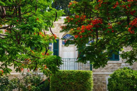 Puerta de entrada a la casa
